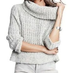 Free People | Grey Cabel Knit Cropped Sweater